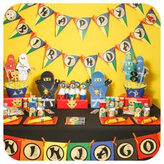 Ninja; Ninja Party; Ninja Birthday Party; Ninja Party; Ninja Birthday; Birthday Party; Ninja Birthday Party! Three Easy Steps! 1) Purchase! 2) Print! 3) Party! This is the perfect DIGITAL PARTY PACKAGE for the Ninja in your family! Please leave your childs name and age in the notes to seller section :) ▬▬▬▬▬▬▬▬▬▬▬▬▬▬▬▬▬▬▬▬▬▬▬▬▬▬▬▬▬ This package includes: Banner - 26 alphabet letters - Numbers 0-9 - 4 character images (Red Ninja, White Ninja, Blue Ninja, Black Ninja) - 9x7.75 each - PDF ...