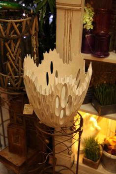 coolest decorative white marine / ocean inspired bowl / vase that looks like wood but is resin