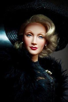 'Marlene Dietrich - not a Barbie, but this is an amazing likeness. Barbie I, Barbie World, Barbies Dolls, Dolls Dolls, Madame Alexander, Barbie Celebrity, Divas, Realistic Dolls, Living Dolls