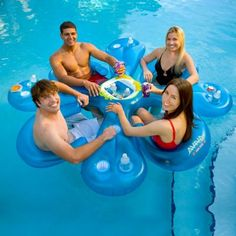 Jump in to the pool or lake and take a seat at the Ahh-Qua Bar with 3 friends for great relaxation and refreshment. Inflates quickly with electric pump (sold separately). Comes with 4 Sun seats. Refre...AV1017003 002560 879017007261