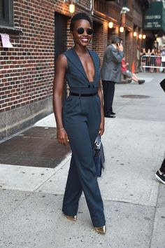 Lupita Nyong'o wearing Alessandra Rich Fall 2015 with @zacposen bag and Paul Andrew pumps – The Late Show with Stephen Colbert #2015