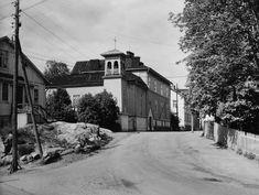 Kuvien sijaintia on vaikea uskoa: Lumottu kaupunginosa, jota ei enää ole Helsinki, Old Buildings, Historian, The Past, Black And White, Outdoor, Outdoors, Black N White, Black White