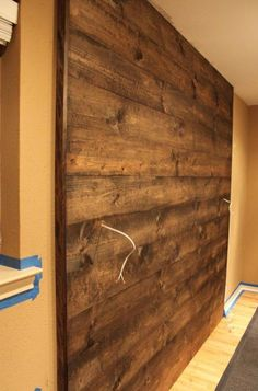 Wood Wall Completed holzwand verkleidung holz<br> A few of you may remember that just a couple of weeks ago I posted about my intentions of building an accent wall in our master bedroom. At said time, I may possibly have mentioned that it would be… Pallet Light, Mur Diy, Pallet Walls, Headboard Pallet, Wall Headboard, Headboard Ideas, Wood Walls, Diy Wood Wall, Wooden Accent Wall