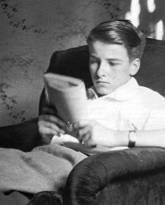 Montgomery Clift reads.