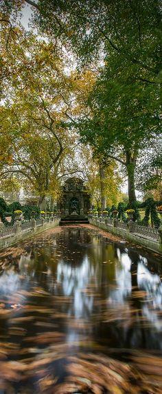 Fontaine de Médicis, Paris, France (HDR)