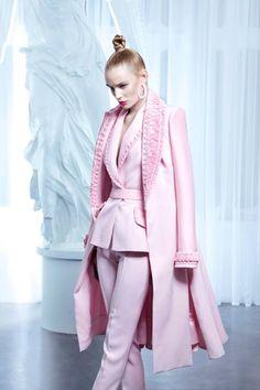 Regilla ⚜ Nicolas Jebran Haute Couture Summer 2015 Plus Plus Pink Fashion, Couture Fashion, Fashion Outfits, Womens Fashion, Fashion Trends, Fall Outfits, Mode Rose, Couture 2015, Everything Pink