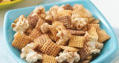 Snickerdoodle Chex Mix - Get the classic taste of cinnamon and sugar cookies in a munchable snack mix that's ready in 15 minutes! #WinCoPinToWin #ChexMix