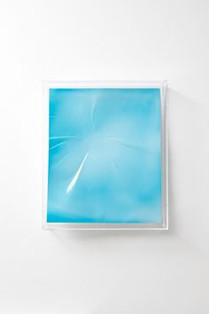 Wolfgang-Tillmans-Blue-in-Perspex-box-682x1024.jpg (682×1024)