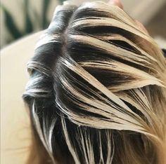 Pin by Stephanie Shoop on hair color 17 Hair Cutting Techniques, Hair Color Techniques, Bilage Hair, Cabelo Ombre Hair, Balayage Hair Tutorial, Silver White Hair, Hello Hair, Hair Color Formulas, Hair Color And Cut