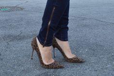 Manolo Blahnik. Love! Meow ;-) #shoes #manoloblahnik #highheels #fall #pumps #style #fashion #luxury