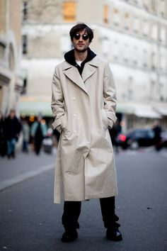 Paris Men's Fashion Week: All the best street style snaps from the fall/winter 2019 runway season Mens Fashion Week, Fashion Wear, Winter Fashion, Men Street, Street Wear, Cool Street Fashion, Street Style, French Man, Fall Winter