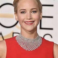 @jenniferlawrencepx is the new #LadyInRed with this @dior #dress and a @chopard #diamond #necklace in @goldenglobes  __________  #JenniferLawrence es la nueva mujer de #rojo con este #vestido de #dior y un #collar de #diamantes de #chopard en los #GlobosDeOro  __________  #DeJoyaEnJoya #FromJewelToJewel #RedCarpet #AlfombraRoja #celebrity #actress #hollywood #InstaJewels #InstaDiamonds #InstaGlam #style #fashion #luxury #awards #nominees