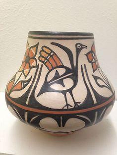 """SANTO DOMINGO """"KEWA"""" PUEBLO POTTERY by ROBERT TENORIO  - BIRD VASE"""