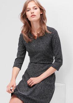 Meliertes Jerseykleid mit Gürtel von s.Oliver. Entdecken Sie jetzt topaktuelle Mode für Damen, Herren und Kinder und bestellen Sie online.