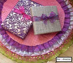 TheDIYDreamer.com - No Sew Ribbon Christmas Tree Skirt #nosew #christmas #xmas #treeskirt #skirt #tree #ribbon