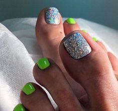 Glitter Toe Nails, Gel Toe Nails, Acrylic Toe Nails, Toe Nail Art, Diy Nails, Black Toe Nails, Gel Toes, Pedicure Designs, Pedicure Nail Art