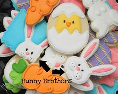 Outros modelos de biscoitos decorados...amei os detalhes em alto relevo!!!