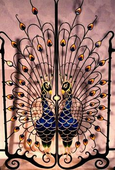 Beautiful wrought-iron gates from around the world -Relaxwoman Peacock Decor, Peacock Art, Peacock Pics, Metal Gates, Wrought Iron Gates, Garden Gates, Garden Art, Pfau Tattoo, Cottage Shabby Chic