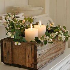 Caixote + Vela + Flor ... Pra gente se apaixonar! #velas #vela #inspiration #inspiração #detalhes #decoração #folhas #flores #caixote
