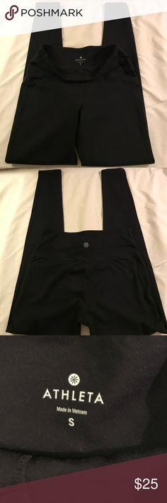 SALE SALE 🌻🌻🌻Athleta Athleta chaturanga tight leggings slightly pilling but in good used conditions. Athleta Pants Leggings