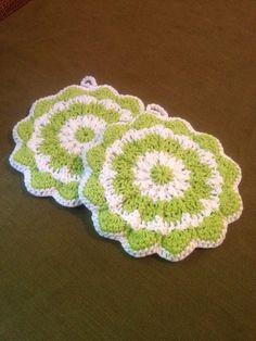Crochet potholders by SevenSkeins on Etsy, $12.00