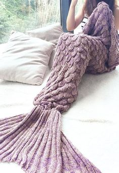 Fish Scale Mermaid Tail Crochet Blanket