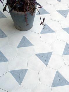 Tiles from Claesson Koivisto Rune Amazing tiles - hexagonal blue and white tile floor.Amazing tiles - hexagonal blue and white tile floor. Floor Design, Tile Design, House Design, Floor Patterns, Tile Patterns, Morrocan Patterns, Moroccan Tiles, Modern Moroccan, Turkish Tiles