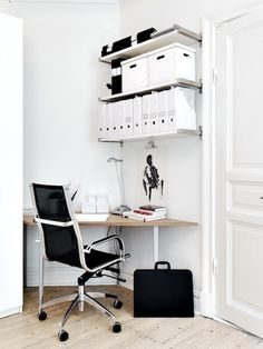 DIY corner desk with wall shelving