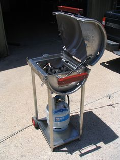 Barbecue Area, Bbq Grill, Metal Projects, Welding Projects, Stainless Steel Grill, Outdoor Oven, Beer Keg, Cast Iron Dutch Oven, Grill Design
