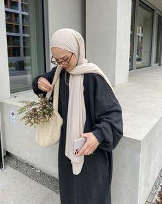 Abaya Fashion, Muslim Fashion, Modest Fashion, Fashion Outfits, Fasion, Cute Casual Outfits, Modest Outfits, Aesthetic Fashion, Aesthetic Clothes