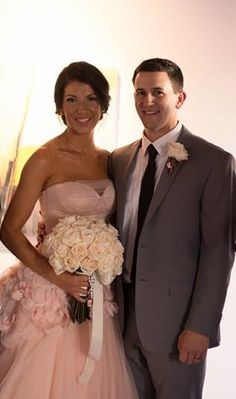 Blush pink wedding. White bridal bouquet. At The Metro Art Gallery Bakersfield, Ca. www.ahofdesigns.com