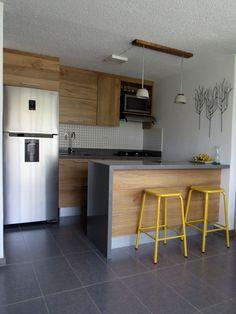 Cocina para apartamento en Itagüí, Antioquia. Ajustada a un apartamento de pequeñas dimensiones.