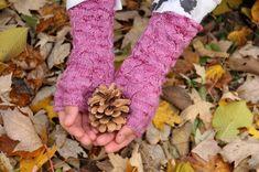 DIY Pink Fallberry Mitts and Free Pattern by Anne Hanson - Kiku Corner Anne Hanson, Rose Of Sharon, Pattern Library, Yarn Needle, Fingerless Gloves, Arm Warmers, Mittens, Winter Wardrobe, Free Pattern