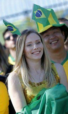 サッカー・ワールドカップ(W杯)ブラジル大会の開幕戦ブラジル-クロアチアを観戦しに訪れた女性サポーター(サンパウロ)(2014年06月12日) 【EPA=時事】 ▼12Jun2014時事通信|ワールドカップ美女サポーター 写真特集 http://www.jiji.com/jc/wcup2014?d=d4_ftbnnp=wbs214-jpp017342492s=photolist #Brazil2014 #Brazil_Croatia_group_A