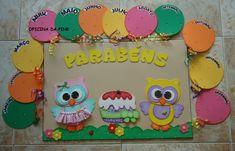 painel-de-aniversariantes-cartaz Crafts To Make, Crafts For Kids, Nursery Teacher, Birthday Charts, Class Decoration, Letter A Crafts, Birthday Board, Pre School, Birthdays