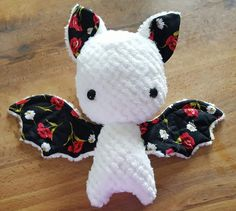 Adorable bat plush Pattern: https://www.craftsy.com/sewing/patterns/bat-plush-toy-with-wings-and-floppy-head/460218