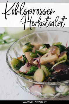 Kohlsprossen bzw. Rosenkohl (wie sie in Deutschland heißen) sind sehr umstritten. Die einen lieben sie, die anderen hassen sie. Ich gehöre eindeutig Team-Liebe an. Und da Kohlgemüse gerade Saison hat, stehen die unterschiedlichsten Variationen mehrmals die Woche auf meinem Tisch. Heute zeige ich euch eine meiner liebsten Variationen Rosenkohl zuzubereiten, warmen Kohlsprossen Herbstsalat. Couscous Salat, Pickles, Sprouts, Cucumber, Food And Drink, Vegetables, Cooking, Blog, German