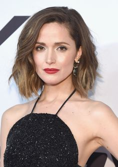 Trendy haircuts and hairstyles for short hair 2020 – 82 photos Blunt Bob Hairstyles, Blunt Haircut, Blonde Bob Haircut, Best Bob Haircuts, Blonde Lob, Lob Hairstyle, Trendy Haircuts, Trending Hairstyles, Rose Byrne Hair