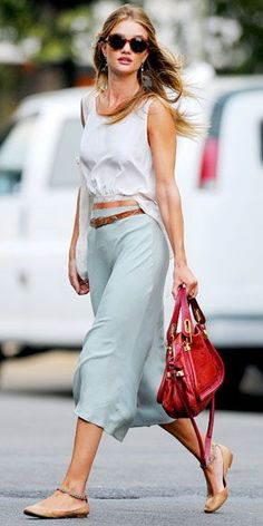 Rosie Huntington-Whiteley Great Summer Style Great Handbags to Copy | PIN Blogger