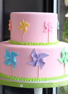 Love this sweet Fondant Pinwheel Cake by Whipped Bakeshop beautiful-cakes Fancy Cakes, Cute Cakes, Pretty Cakes, Pink Cakes, Beautiful Cake Pictures, Beautiful Cakes, Amazing Cakes, Fondant Cakes, Cupcake Cakes