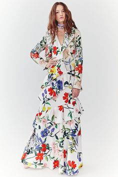 See the full Spring 2018 collection from Alice & Olivia.