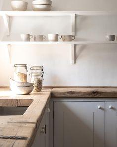 Home Interior White .Home Interior White Farmhouse Style Kitchen, Home Decor Kitchen, Country Kitchen, Kitchen Interior, Home Kitchens, Kitchen Design, New Kitchen, Wooden Kitchen, Reclaimed Kitchen