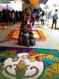 """""""Tapete dia de muertos"""" made by high school students"""