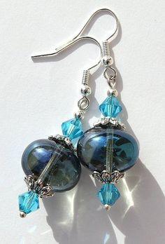 """Boucles d'oreilles argentées avec pépites et perles en cristal bleu - """"Les pépites"""" Modèle bleu"""