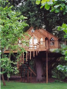 I would love to live here.  #tree house #cottage
