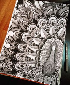Here are some easy Mandala design and drawing on canvas ideas for therapy and inner healing. Doodle Art Drawing, Cool Art Drawings, Zentangle Drawings, Pencil Art Drawings, Zentangle Patterns, Doodle Patterns, Black Pen Drawing, Flower Drawings, Doodles Zentangles