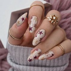 Star Nails, New Year's Nails, Hair And Nails, Star Nail Designs, Art Designs, Design Ideas, Romantic Nails, Almond Acrylic Nails, Dream Nails
