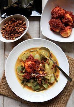 Resep Lontong Sayur dan Telur Balado