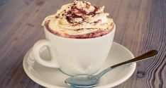 The 5 Most Decadent And Delicious Hot Chocolate Recipes! Homemade Soft Pretzels, Homemade Hot Chocolate, Chocolate Cake Mixes, Hot Chocolate Recipes, Nutella Brownies, Dessert Drinks, Yummy Drinks, Strudel, Mocha Recipe