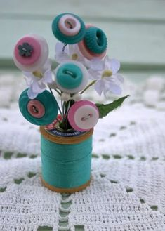Vintage Button Spool Bouquet-Aqua Pink and by MyFancifulNotions Button Bouquet, Button Flowers, Fun Crafts, Diy And Crafts, Arts And Crafts, Button Crafts For Kids, Bead Crafts, Diy Buttons, Vintage Buttons